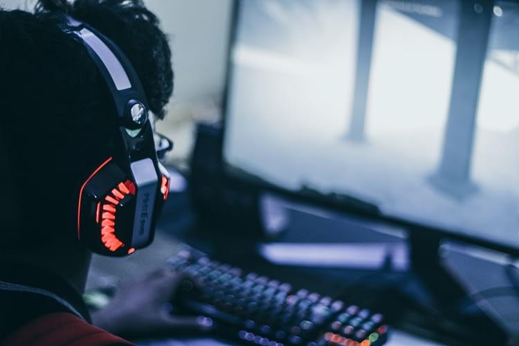 10 Best Gaming Headphones Under 5000 (2020)